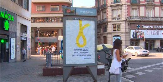 Aparece en Barcelona un polémico lazo amarillo a modo de soga para la monarquía