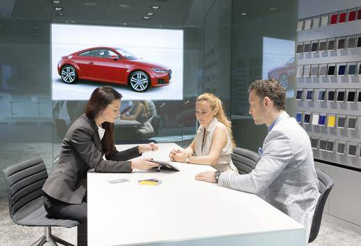 Los compradores jóvenes quieren llevarse el coche del concesionario en la primera visita