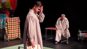 Crítica de la obra de teatro 'Makers': la cara oculta de la luna