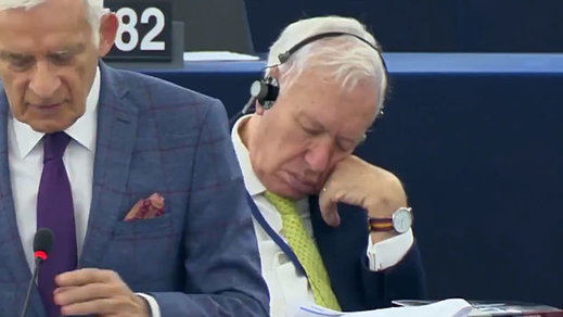 La polémica 'siesta' de Margallo como europarlamentario