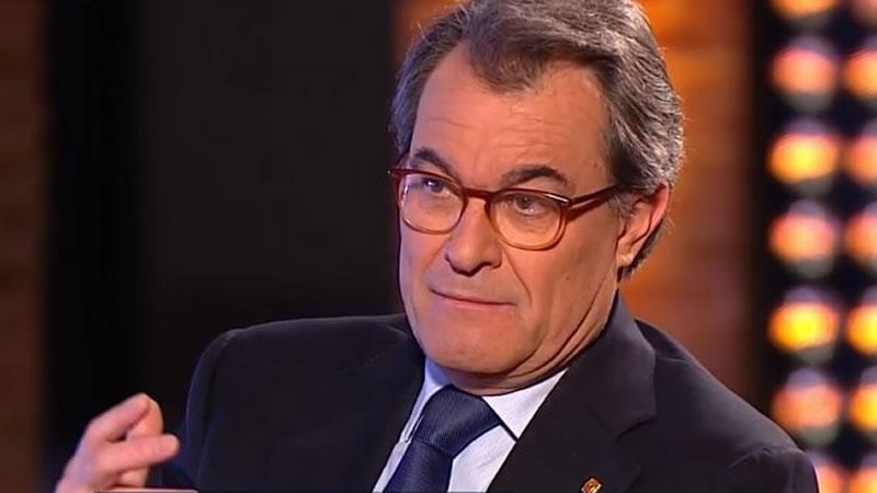 Mas pide a Puigdemont que piense en 'el interés del país' y renuncie a su investidura telemática
