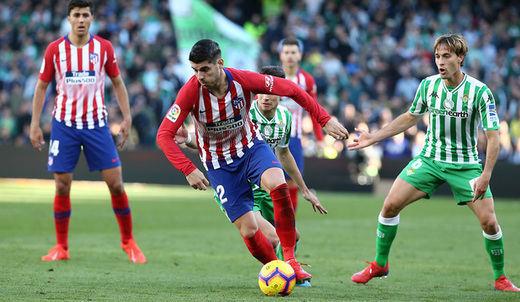 El Atleti cae ante el Betis de penalti y tras ver cómo no le señalaban otro que también lo era (1-0)