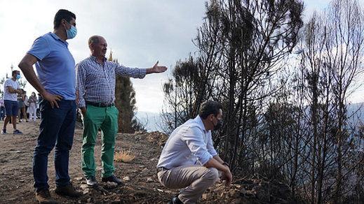 El presidente de la Junta de Andalucía, Juanma Moreno, visita la zona afectada