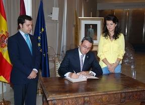 El Ayuntamiento de Alcázar de San Juan abre un libro de firmas de reconocimiento a Juan Carlos I