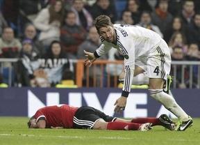 Sergio Ramos la lía: agresión, ofensas al árbitro, actitud de gallito y posteriores disculpas