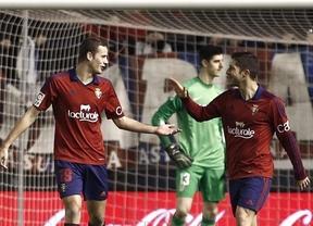 Osasuna vapulea a un Atlético desconocido y vulgar que volvió a ser 'El Pupas' y se descuelga del liderato (3-0)