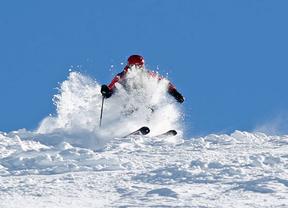 La Semana Santa apuesta por el esquí: Sierra Nevada abre 78 kilómetros de pista