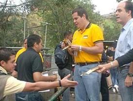 Micheletti ofrecería una amnistía a Zelaya si responde ante la Justicia