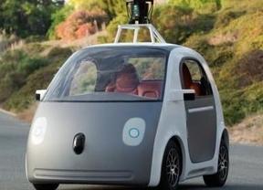 Google muestra el prototipo de un coche que se conduce solo sin volante ni pedales