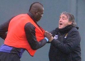 Balotelli la vuelve a montar: se pelea con su técnico Mancini en un entrenamiento del City