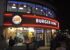 Revolución en la comida rápida: Burger King abrirá 24 horas y repartirá a domicilio