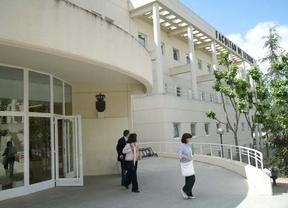 Marín asegura que la Junta estudia un fondo solidario para universitarios con problemas de pago