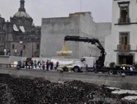 Hallan en el centro de una ciudad mexicana 14 esqueletos del siglo XVII