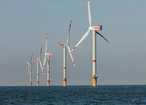 Repsol espera lograr en los próximos meses el permiso para tres parques de eólica marina en Escocia