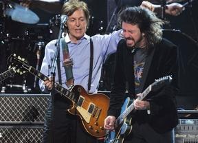 Nirvana vuelve a los escenarios con nuevo cantante... ¡Paul McCartney!