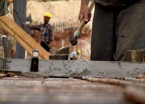El sector construcción, donde más autónomos caen