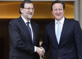 Cameron dialoga con Rajoy sobre Gibraltar pero deja claro que su posición