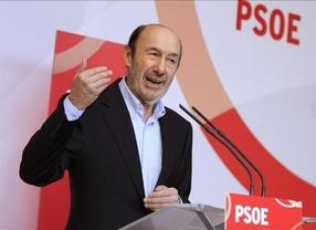 Los socialistas replican a Montoro que el PSOE sí paga a Hacienda