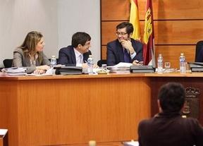 El PSOE pide que el consejero de Hacienda explique cómo se cumplirá el objetivo de déficit