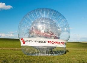 Nissan crea la esfera hinchable más grande del mundo con un Note real en el interior