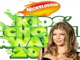 Fergie lista para baño de pegoste verde de Premios Kid´s Choice