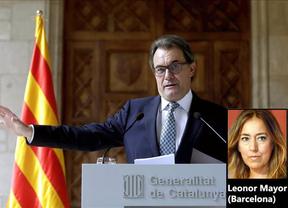 Mas invita a Sáenz de Santamaría a participar en la consulta y conocer a los voluntarios