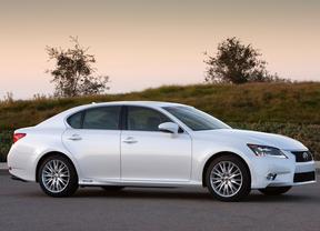 El Lexus GS 300h, reconocido como el vehículo más ecológico de su segmento