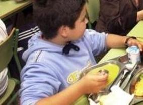 Los comedores escolares tienen mala fama, pero... ¡¿sopa con gusanos?!