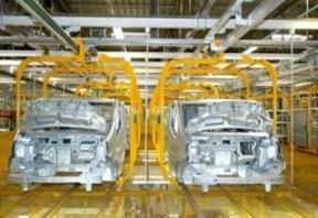 El mes de marzo impulsó la fabricación de vehículos un 27%, con un volumen de 220.435 unidades