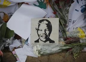 Mandela: los líderes internacionales expresan sus condolencias destacando que fue un 'héroe' que cambió la Historia