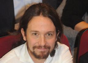 Iglesias 'echa un cable' a Zapatero y Bono y asegura que