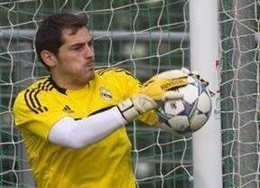 La Roja, con nuevo récord de Casillas, quiere que la débil Costa Rica pague los platos rotos de la derrota en Wembley