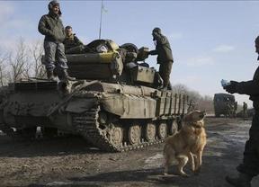 Ucrania denuncia que más de 20 carros de combate y sistemas de misiles rusos han entrado en el país