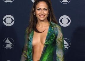 La alfombra roja de los Grammy censura pechos, nalgas y transparencias: adiós a las fotos más sexys