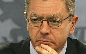 Rumores de crisis de Gobierno por una renuncia de Gallardón: el ministro pone en jaque a Rajoy con la reforma del aborto