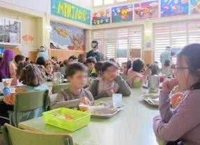 Comer del 'tupper' les costará hasta 3 euros a los escolares catalanes