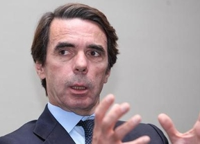 Aznar vuelve al ataque: riñe a Rajoy por ofrecer diálogo a Artur Mas