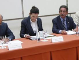 La corrupción ya es 'typical Spanish': medio centenar de ayuntamientos, en el punto de mira