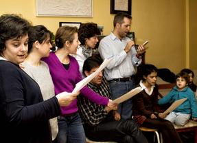 Una familia toledana se adhiere al proyecto 'En clave de paz' con motivo de la celebración del 11-M