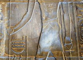 Luxor recupera su esplendor: eliminan la pintada del joven chino Din Jinhao
