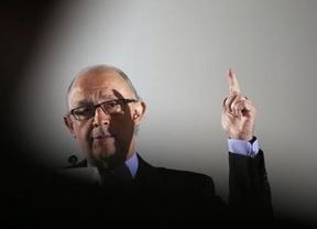 Piden su cabeza: la última cruzada de Montoro consigue poner a todos de acuerdo y ser el 'nuevo Wert' del Gobierno