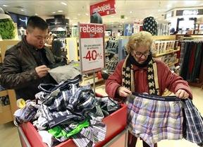 Los comercios podrán abrir 90 horas a la semana y dos festivos más al año