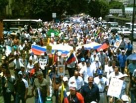 Trasladan a cientos de miles de personas en Cuba