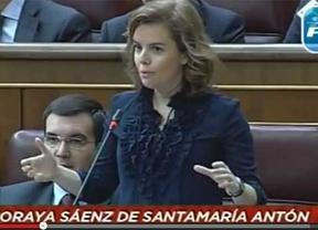 Sáenz de Santamaría: 'Si el paro baja en mayo es por pura estacionalidad'