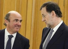 De Guindos, tan 'gallego' como Rajoy, elude concretar si se subirán más los impuestos este año
