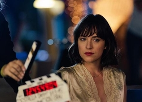 Dakota Johnson protagonizará el famoso anuncio veraniego de Estrella Damm