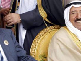 El Rey acudió este sábado a Kuwait en medio de las revueltas