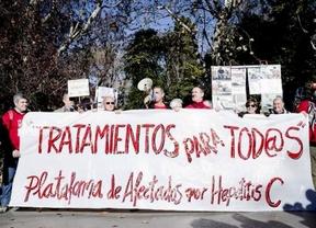 Afectados por la Hepatitis C se han manifestado ante Sanidad para pedir que se les suministre Sovaldi