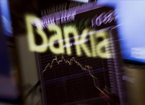 Bankia 'malsobrevive' a la marea y regresa a la Bolsa con una caída superior al 10%