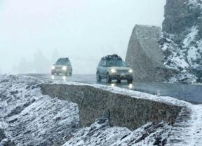 Los tres prototipos del Range Rover híbrido se convierten en los primeros extranjeros que atraviesan la exigente ruta que une Sinkiang con el Tíbet